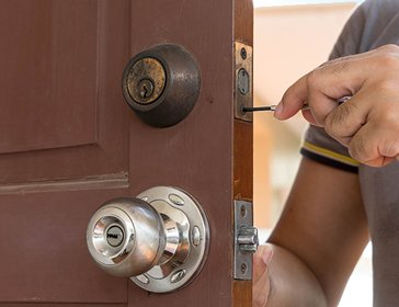 Gallery Locksmith Store Akron, OH 330-299-6152